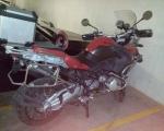 motocicleta bmw roja en renta