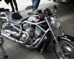 motocicleta harley davidson negra en renta