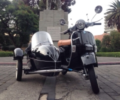 Motoneta Vespa Side-Car Negra