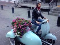 Motoneta Vespa Side-Car Azul en renta para publicidad,eventos,filmaciones,cine, ambientación,utileria, props.