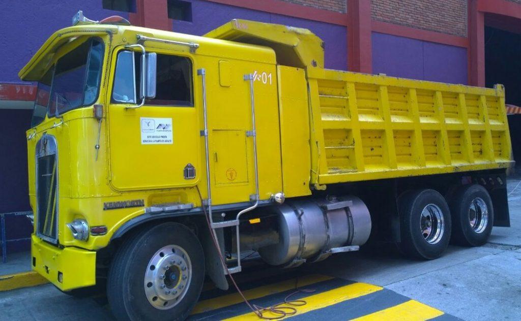 Camion de Volteo en Renta